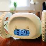Необычные часы и будильники каталог