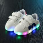 Обувь с подсветкой для девочек